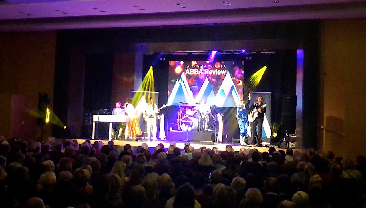 Thank You for the Music - ABBA Review Show in der Stadthalle Bernau