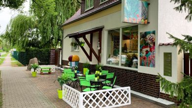 """Bernau: Neueröffnung im Bernauer Ortsteil Schönow - Eiscafé """"Atlantik"""""""