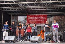 """""""Menschlichkeit kennt keine Alternative"""" - Straßenfest im Külzpark Bernau"""