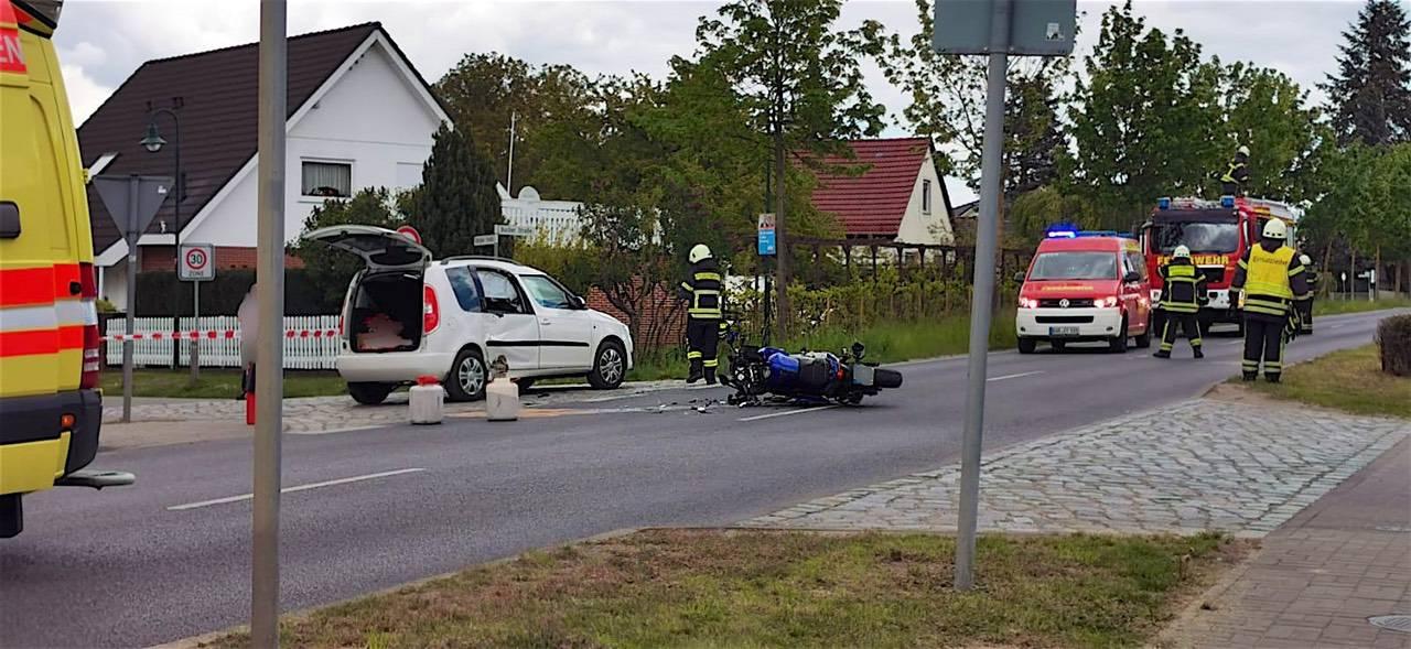 Motorradfahrer bei Verkehrsunfall in Zepernick schwer verletzt
