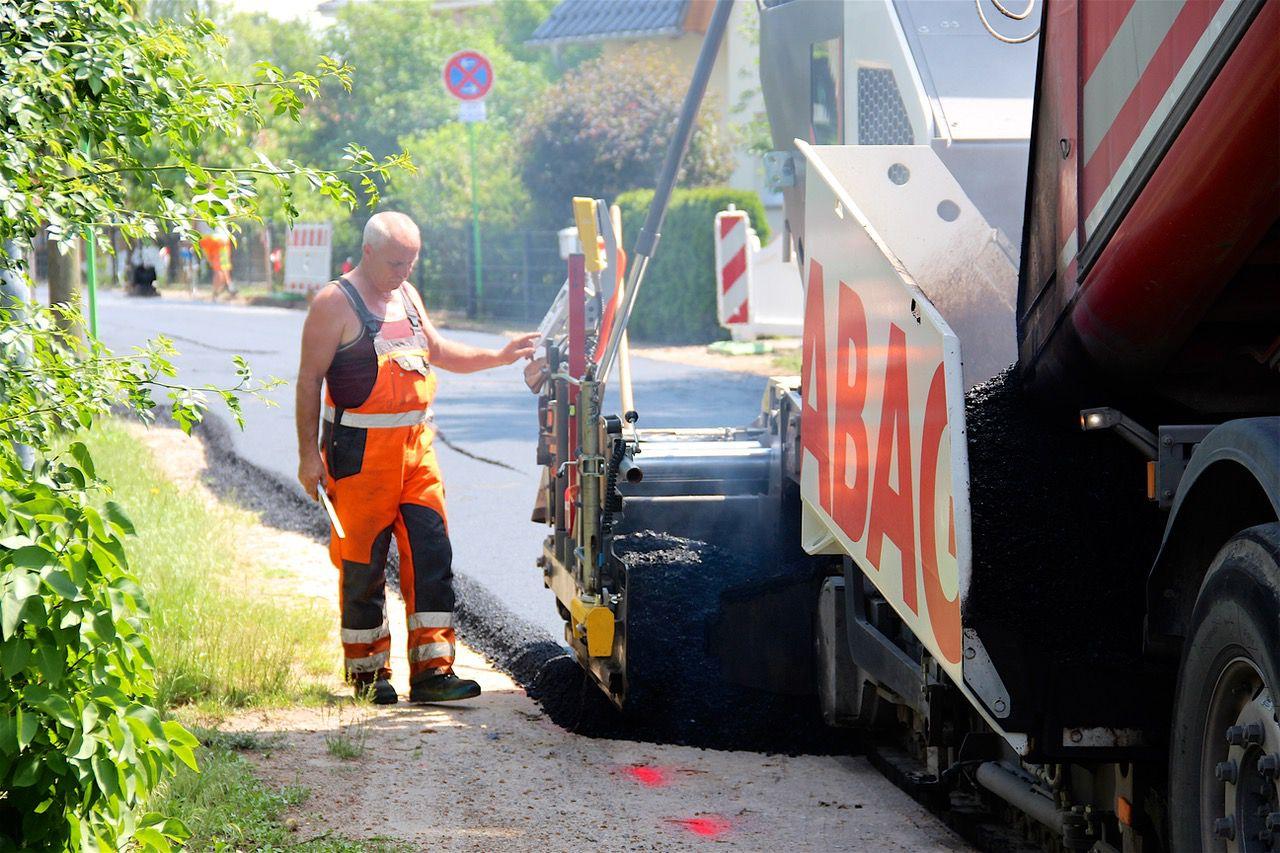 Asphaltierarbeiten Ladeburg © Bernau LIVE