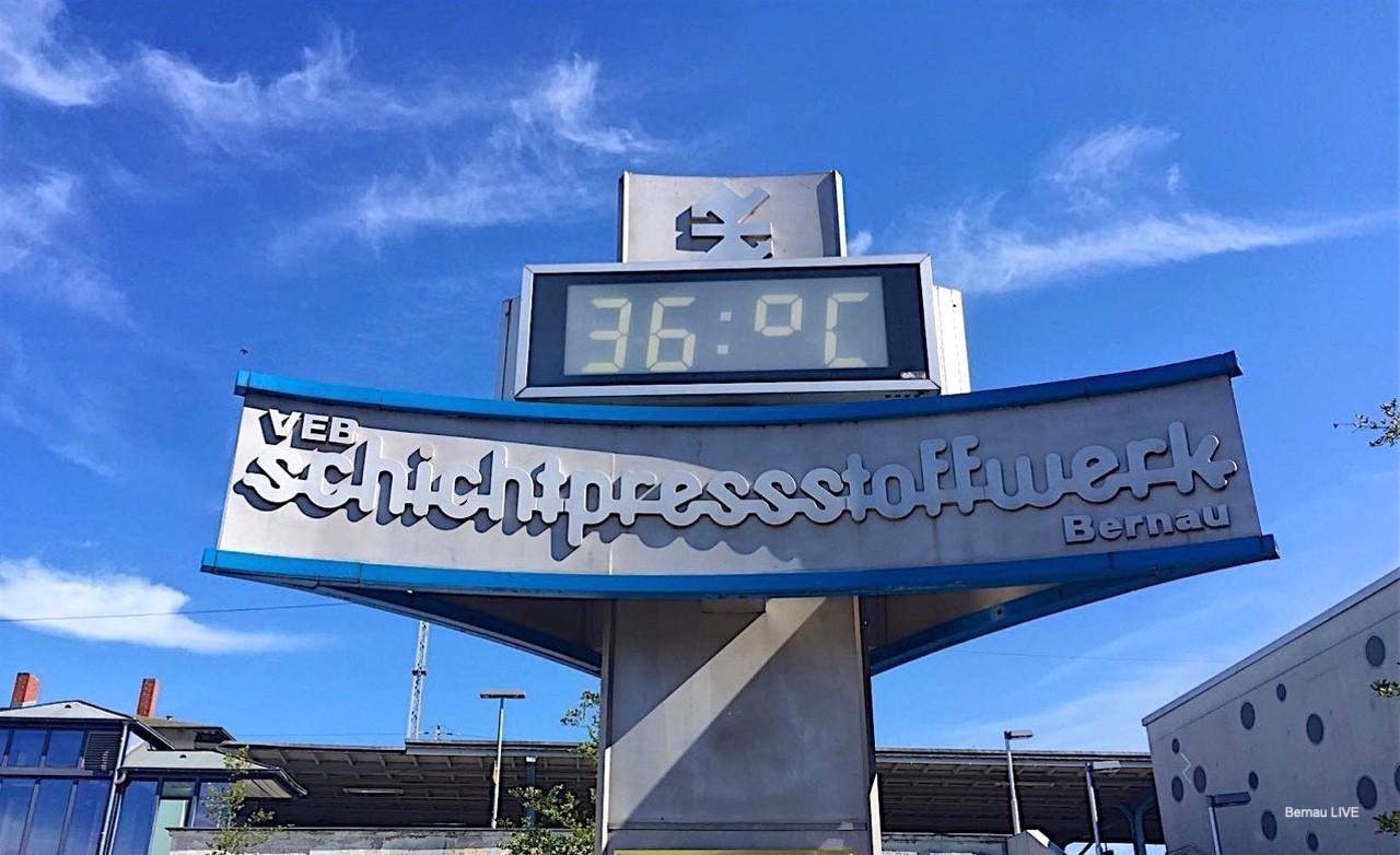 Uhr Bahnhof Bernau Bernau LIVE0000