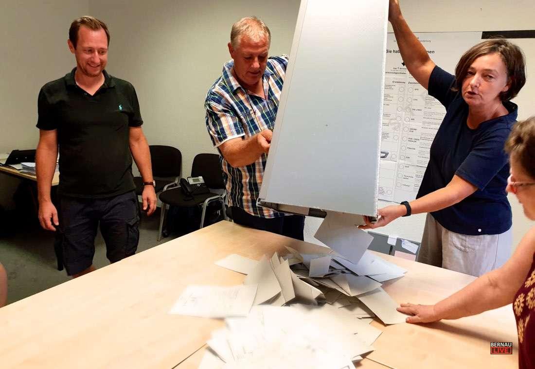 Wahllokal Rathaus Bernau 0000