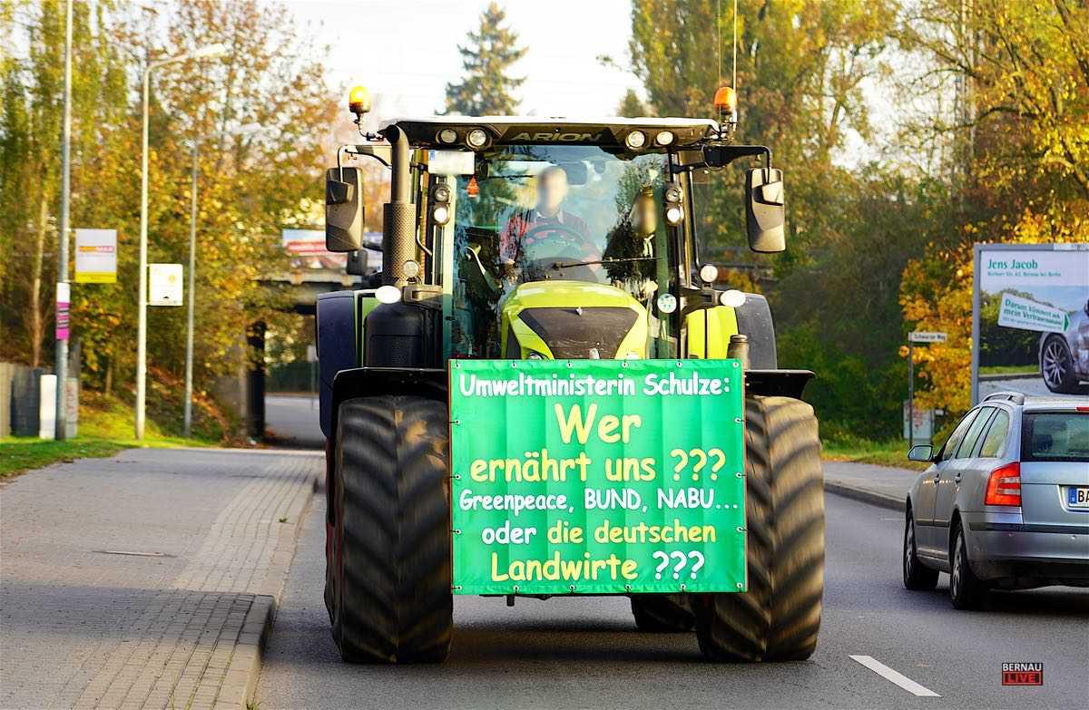 Sternfahrt Berlin Traktoren