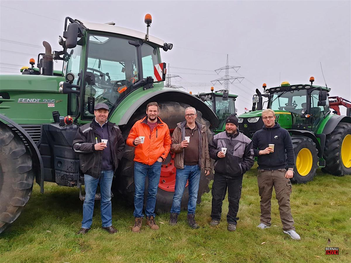 Traktoren Demonstration Bernau