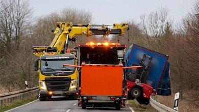 Photo of Schönerlinde: Verunfallter LKW blockiert Verkehr auf der L305