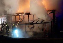 Photo of Großeinsatz der Feuerwehren Bernau: Gebäude steht in Lobetal in Vollbrand