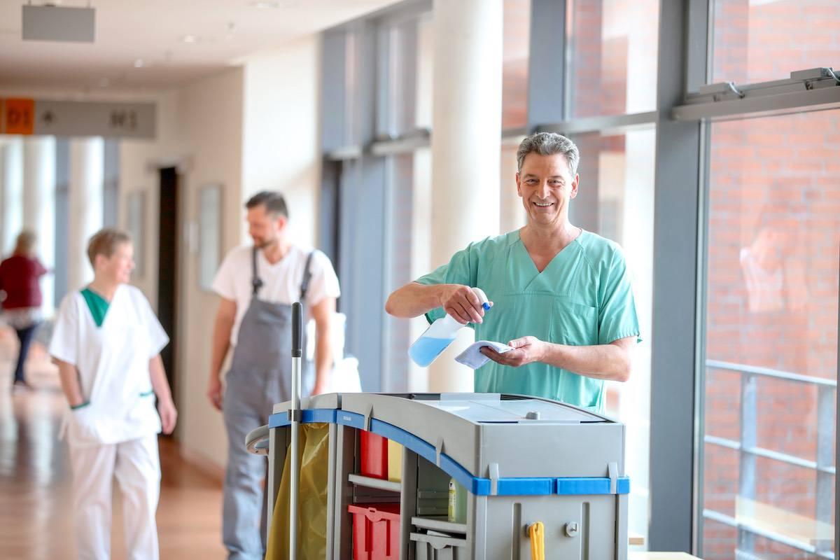 Reinigung Mitarbeiter © Bernau LIVE