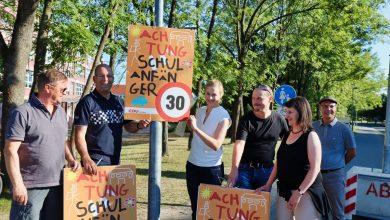 Photo of Schulanfänger – Plakate für mehr Verkehrssicherheit in Bernau